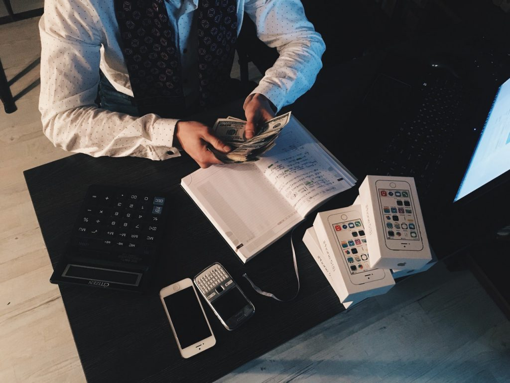 7 Ways For Small Businesses to Get Invoices Paid Faster – Adzuna's Blog